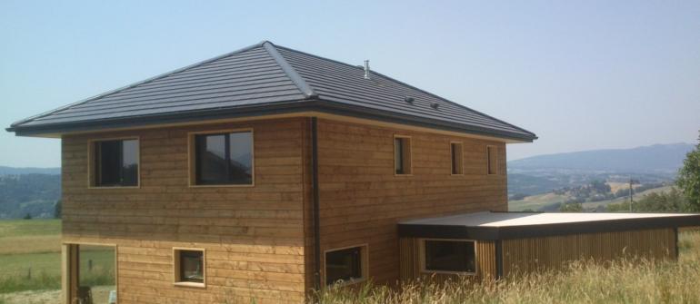 Faut-il attendre la baisse du prix du bois pour commander une maison ossature bois ?